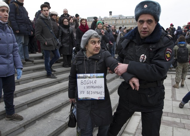 Russian Anti-War Protesters Detained In Moscow