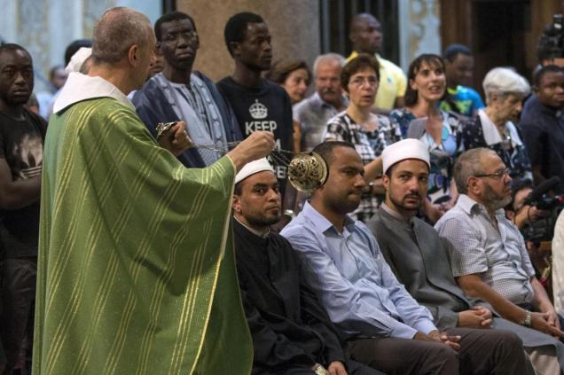 Muslim call to go to Sunday Mass