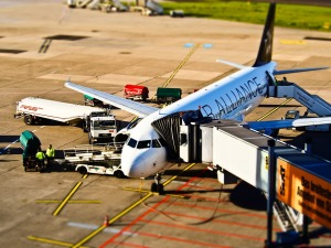 aviation-airplane-on-tarmac-at-airport