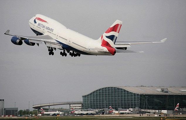 british-airways-boeing-747-london-heathrow-airport-terminal-5