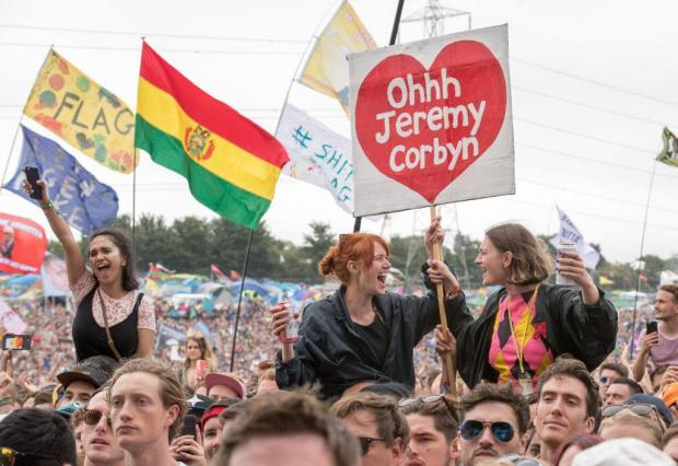 Jeremy Corbyn - Glastonbury crowds